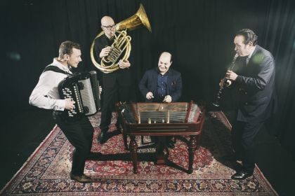 Dunia & CALIBUT BAND – Dobbeltkoncert